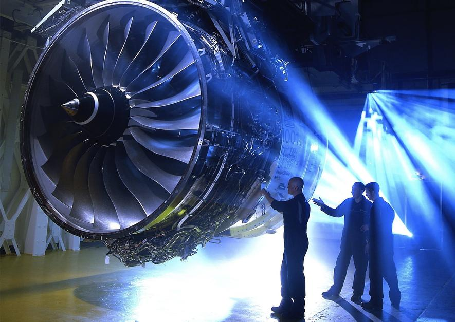 Triebwerk vom Typ Trent 1000: Die Ingenieure von Rolls-Royce haben aus Gründen der Gewichtsreduktion Kompositmaterial eingesetzt.