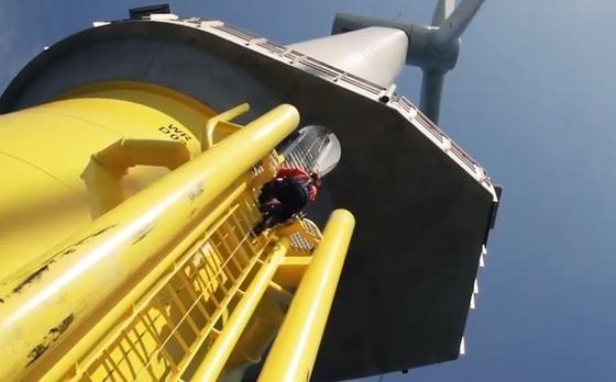 Mit Windturbinen von Siemens will der dänischer Energiekonzern Dong Energy den größtenOffshore-Windpark der Welt bauen.