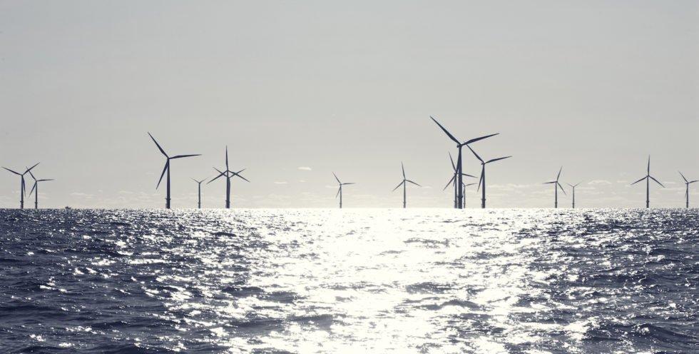 120 km vor der Küste der Grafschaft Yorkshire soll der größte Offshore-Windpark der Welt entstehen. Er wird 2,65 Milliarden € kosten und soll Strom für eine Million Haushalte produzieren.