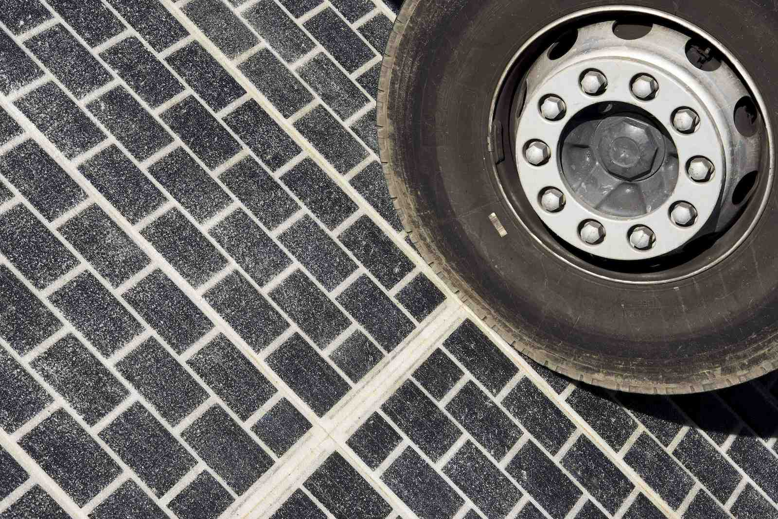 frankreich baut 1000 kilometer solarstra en. Black Bedroom Furniture Sets. Home Design Ideas