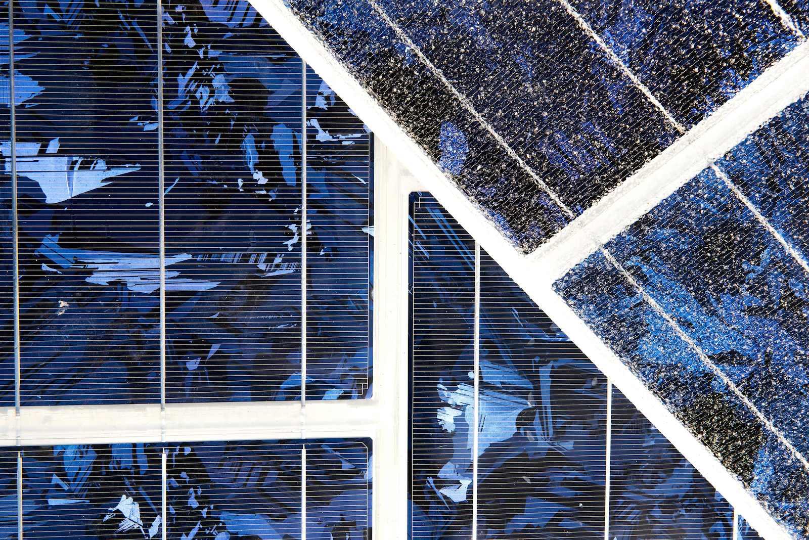 Die Solarmodule werdennicht mit einer Glasplatte abgedeckt. So bieten sie genug Reibung, um ein Rutschen der Fahrzeuge zu verhindern.