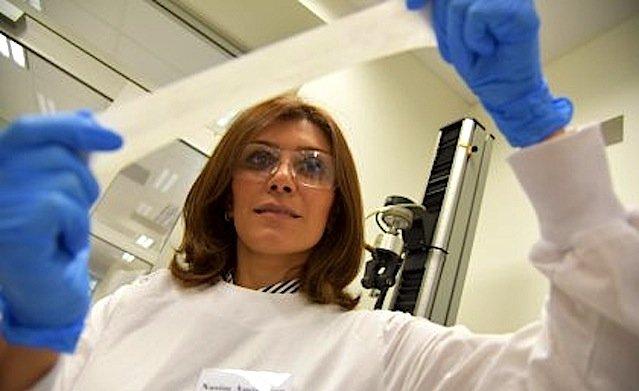 Dr. Nasim Amiralian hat die neueLatex-Gras-Kombination entwickelt.
