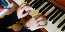 So werden schnellere Fortschritte beim Klavierspielen gemacht