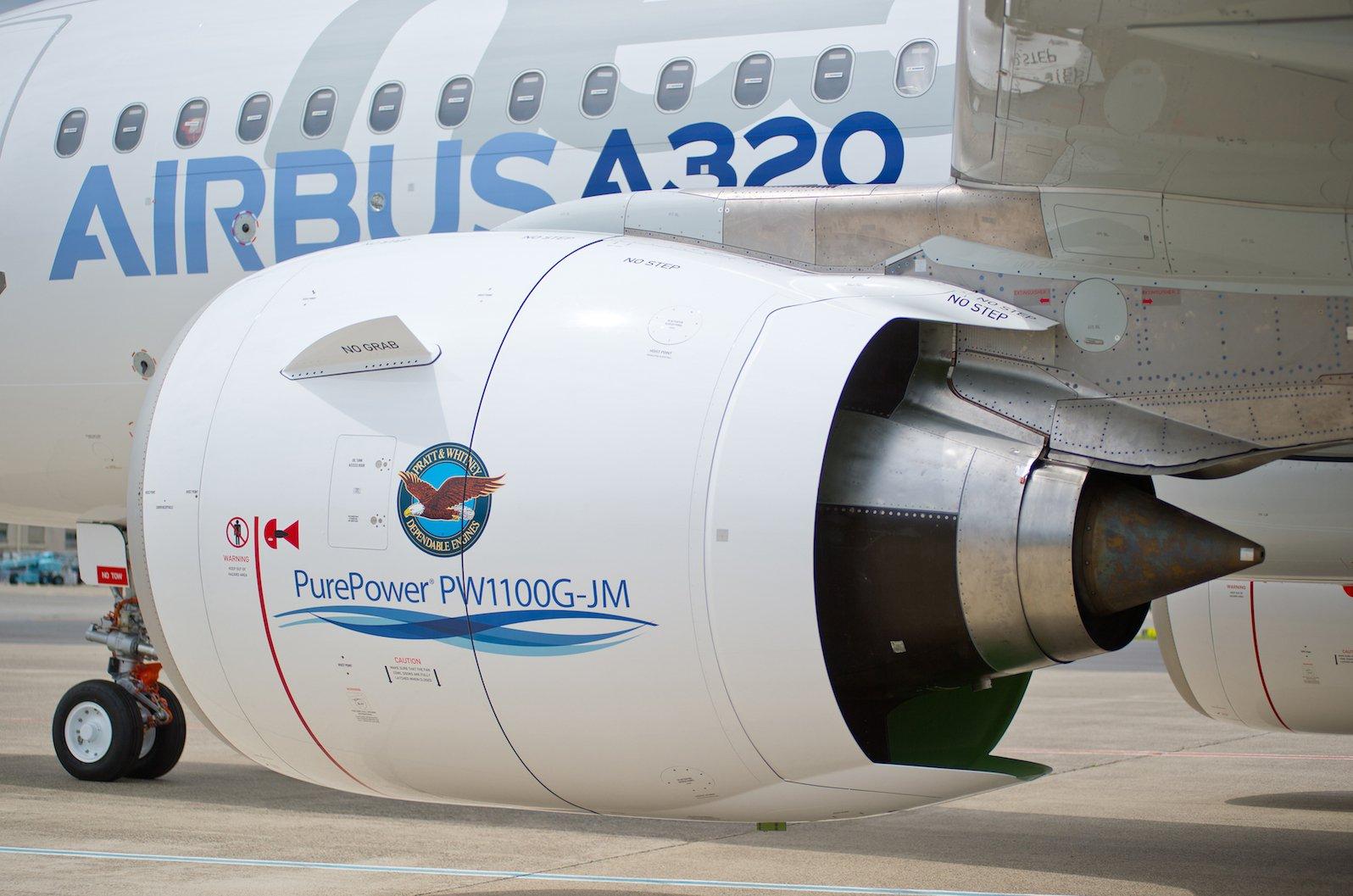 Triebwerk: Beifast allen Passagierflugzeugen wird die Kabinenluft aus den Triebwerken abgezapft.Zusätzliche Hilfsturbinen für die Kabinenluft, wie es sie früher gab, wurden aus Kosten- und Gewichtsgründen eingespart.