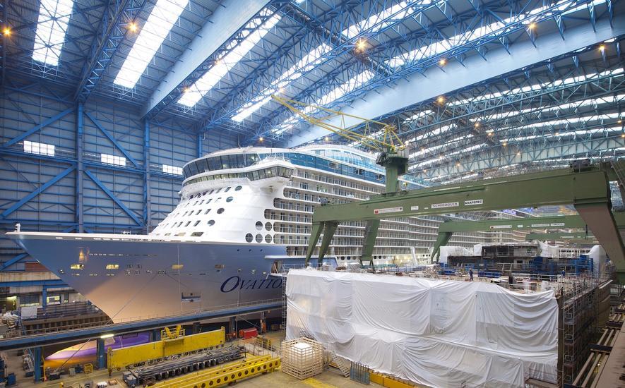 Geschafft: Gigantisches Kreuzfahrtschiff verlässt Baudock der Meyer Werft