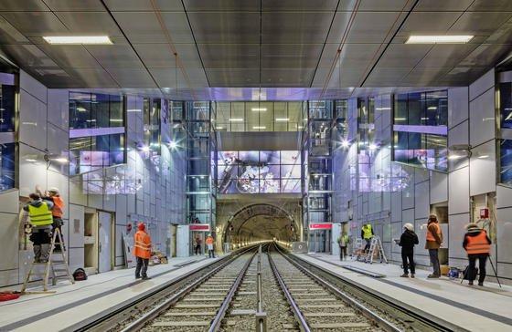 Die neuen U-Bahnhöfe in Düsseldorf sind hell und voller Kunst.