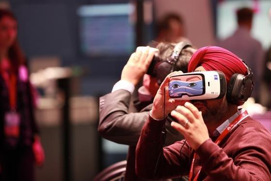 Zu den Highlights auf dem World Mobile Congress zählen die Vorstellungen neuer Smartphones, Gadgets und VR-Brillen. Was diese können? Das lesen Sie in der Galerie.