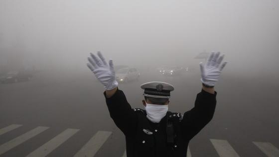 Smog in China: US-Forscher haben in Tests mit Ratten nachgewiesen, dassdauerhafte Belastung mit verschmutzter Luft das Risiko von Fettleibigkeit steigert.