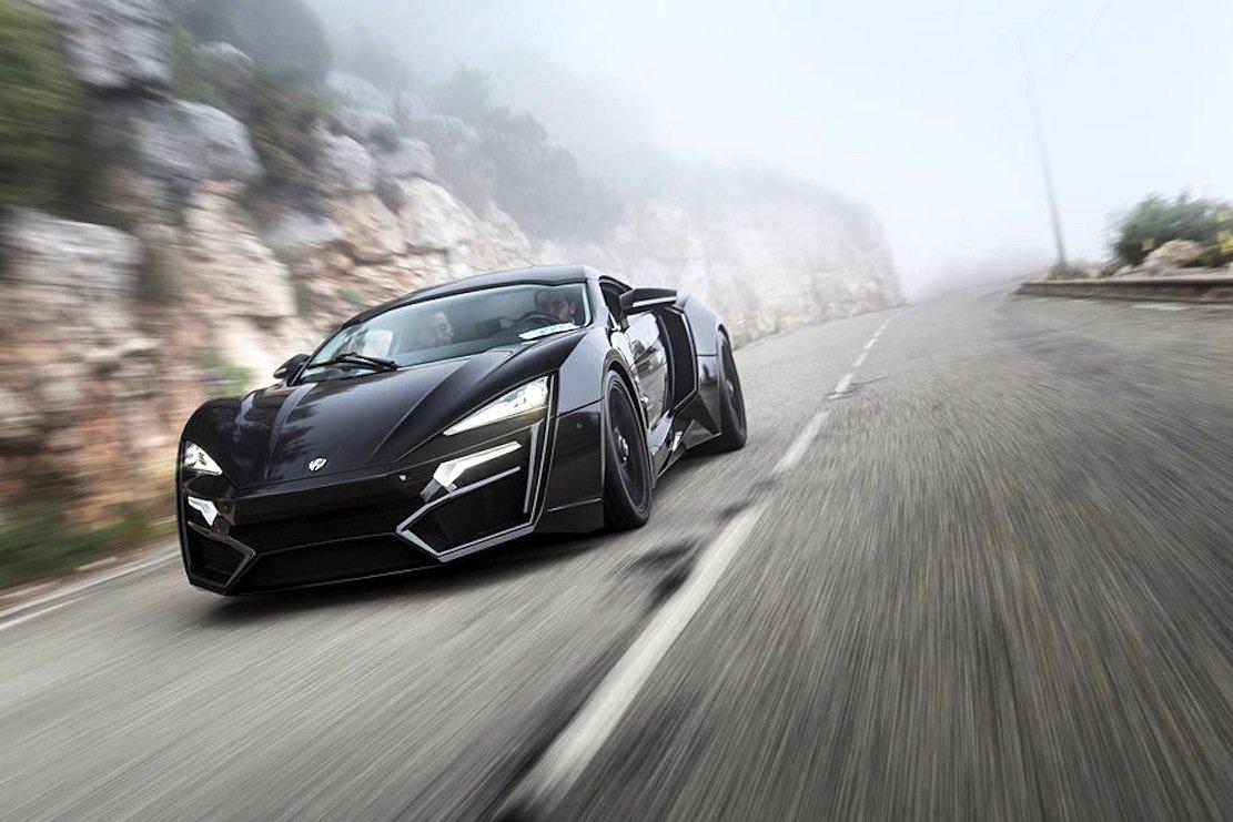 Ein Autohersteller aus Dubai? Ja,W Motors präsentiert in Genf den Lykan Hypersport, bekanntaus dem Hollywoodfilm Fast and Furious 7. Das Auto soll 395 km/h schnell sein. Und wie der Filmname schon vermuten lässt, ist der Lykan Hypersport auf sieben Exemplare limitiert.