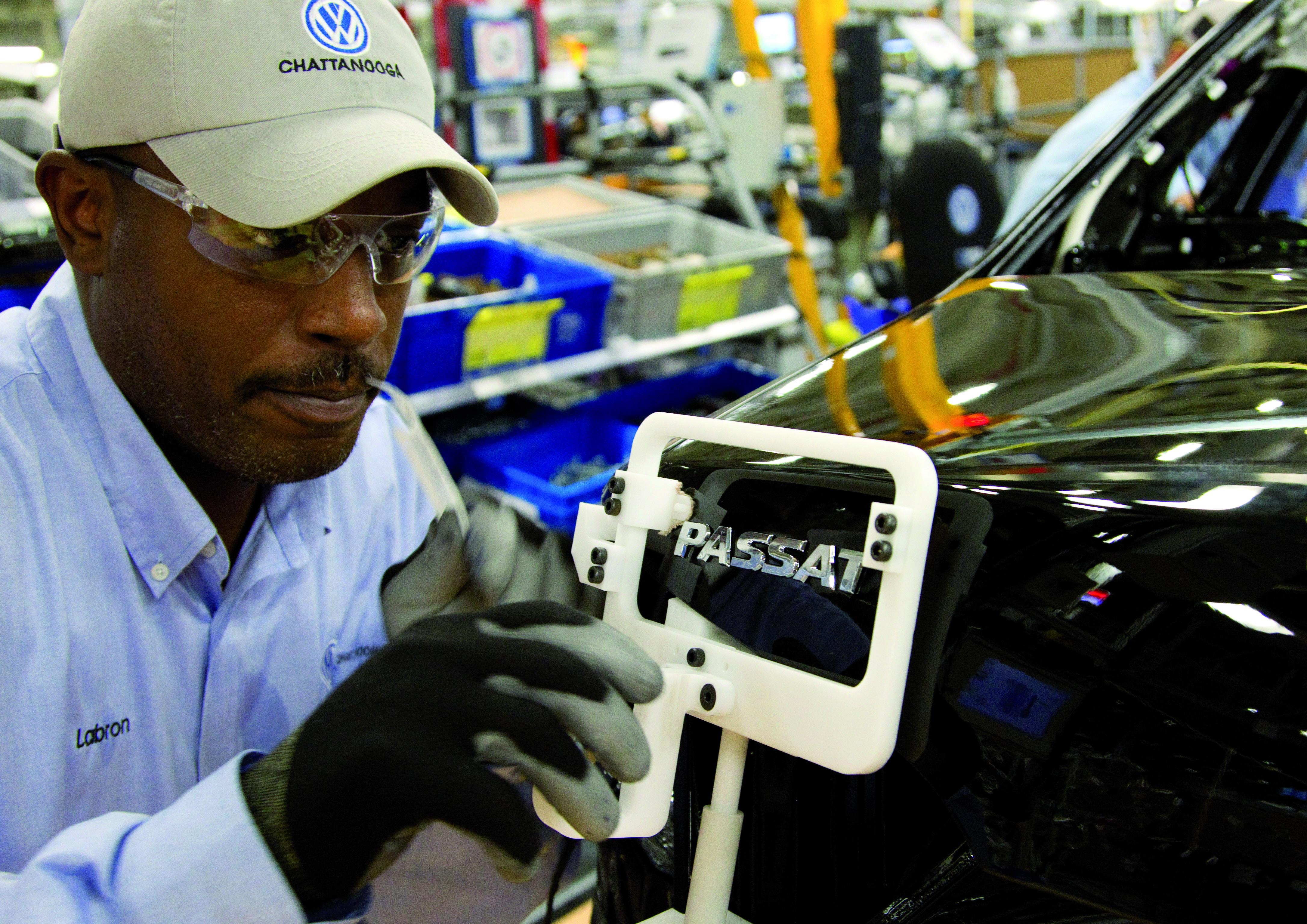 Passat-Produktion im US-Werk Chattanooga: VW glaubte, die Ermittlungen der amerikanischen Umweltbehörde EPA mit Zahlungen von bis zu 100 Millionen Dollar aus der Welt schaffen zu können.