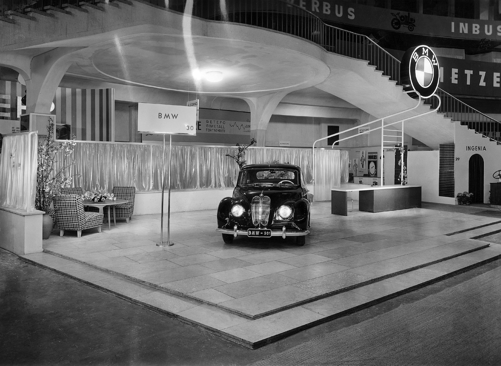 Premiere des BMW 501
