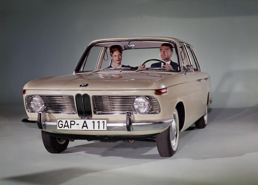 BMW feiert 100. Geburtstag mit 122.000 Mitarbeitern