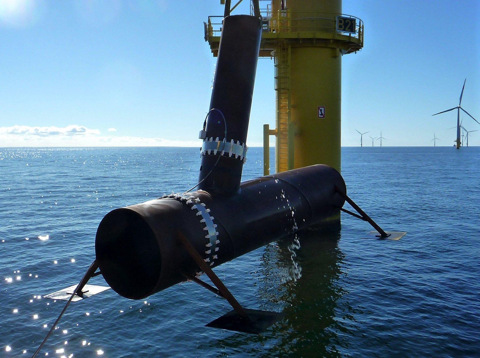 Ein erster Praxistest im Offshore-Windpark Baltic 1 war erfolgreich. Der Roboter erkannte in einem auf dem Grund der Ostsee liegenden Rohr die künstlich zugefügten Risse.