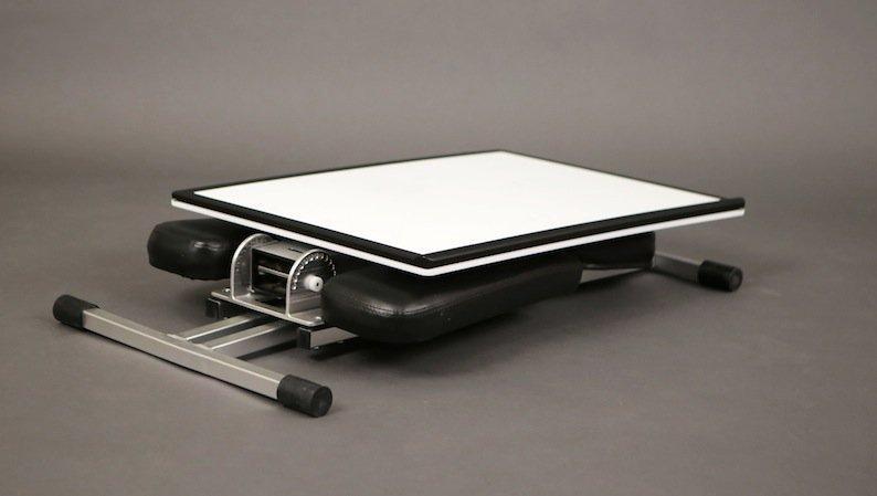 edge desk ist der schreibtisch zum mitnehmen. Black Bedroom Furniture Sets. Home Design Ideas