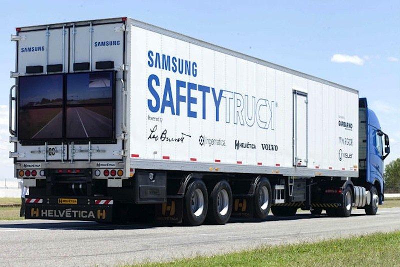 Samsungs Safety Truck verfügt über ein Display, das den Blick auf den Verkehr vor dem Lkw ermöglicht.