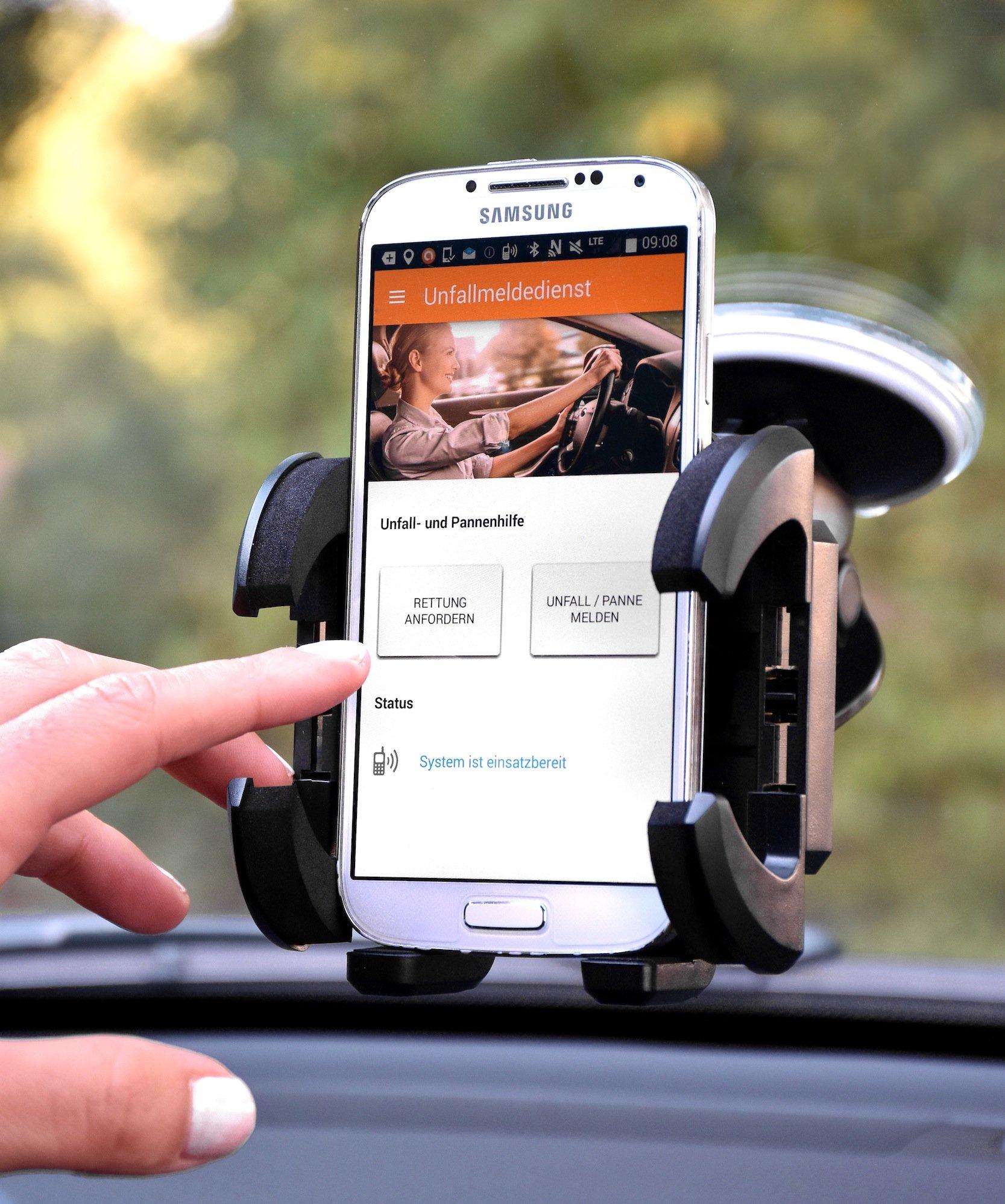 Über die Unfallmelde-App lässt sich auch eine Panne melden. Zudem werden alle wichtigen Daten bis hin zur genauen Position übermittelt. Das System wird im April 2016 eingeführt.