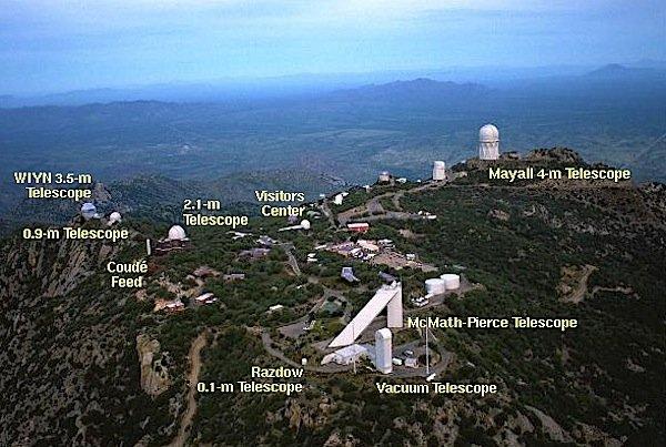 LuftaufnahmeKitt Peak National Observatorium in Arizona.