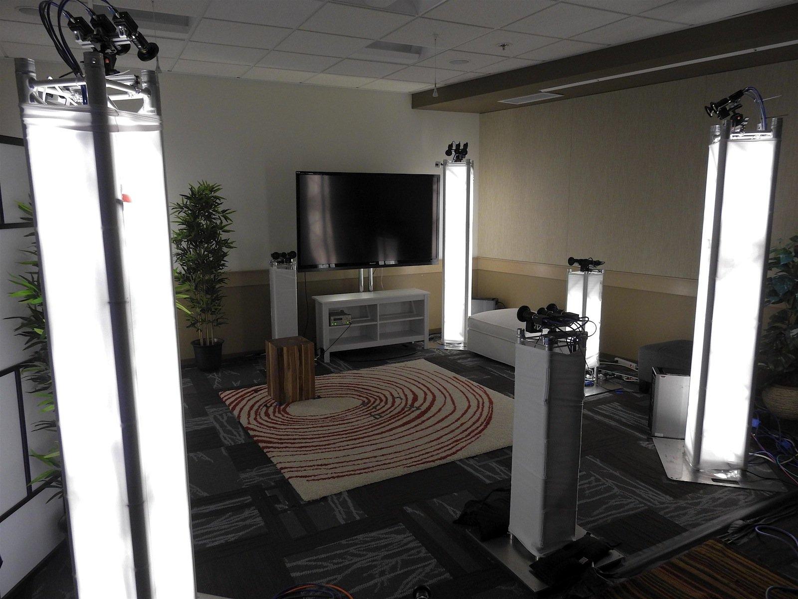 Licht, 3D-Kameras, Mikrofone: Noch ist es ziemlich aufwendig, einen Raum für die Holoportation zu präparieren.