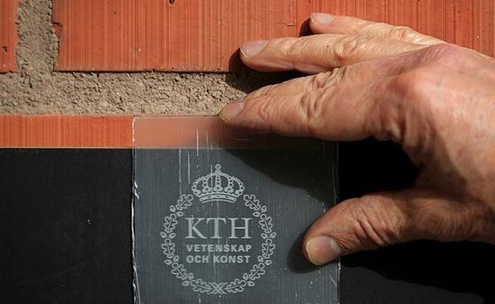 Stockholmer Forschern des KTH Royal Institute of Technology ist esgelungen, durchsichtiges Holz herzustellen.