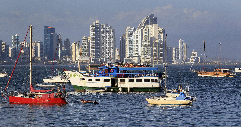 Die Skyline von Panama City: Die dort ansässige KanzleiMossack Fonseca hat Politikern und Prominenten aus der ganzen Welt geholfen, ihr Geld in Briefkastenfirmen zu verstecken. Darunter waren auch Argentiniens Präsident Mauricio Macri,UEFA-Präsident Michel Platini und Fußballstar Lionel Messi.