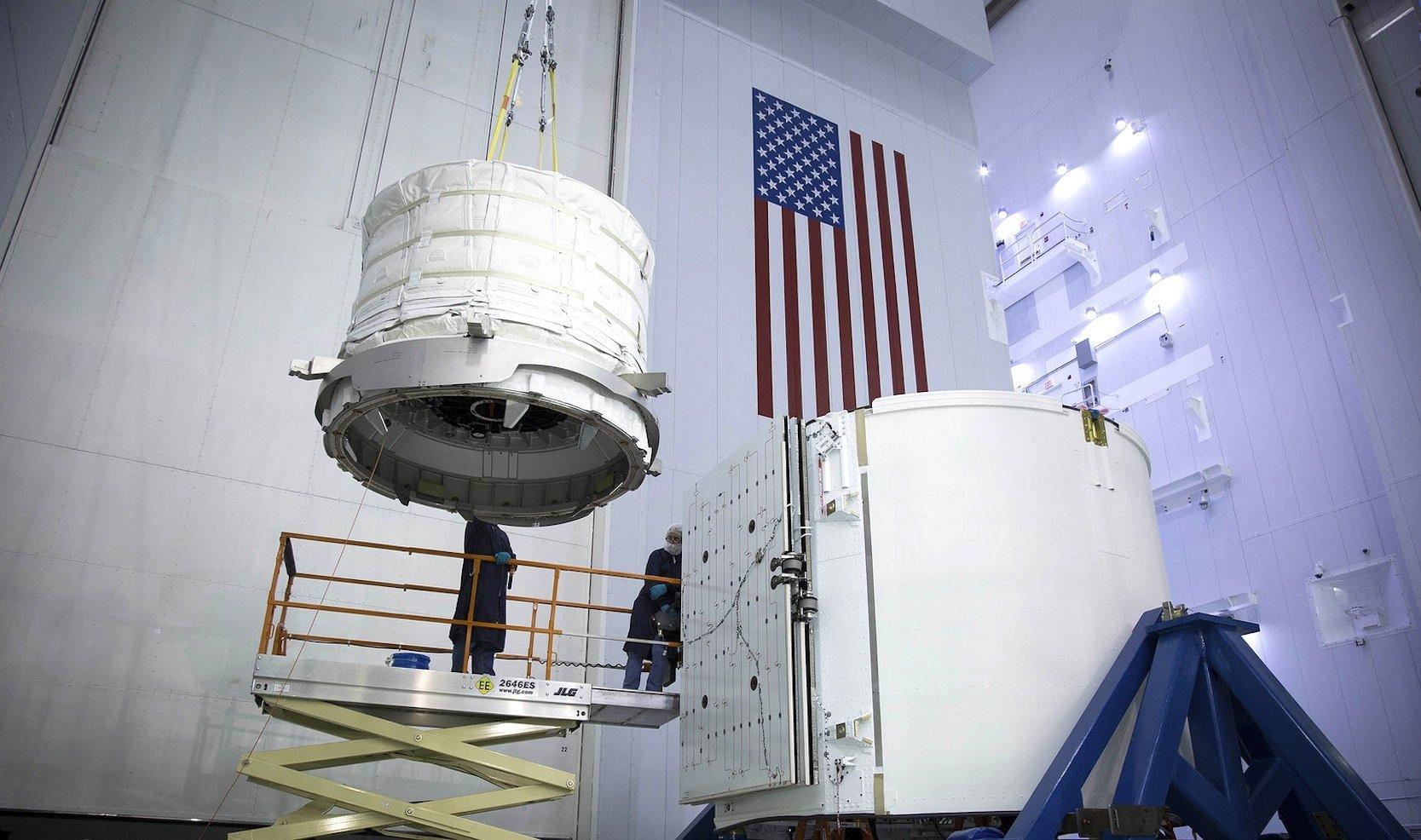Beam lässt sich falten und passt deshalb noch in den Frachtraum des Dragon-Raumschiffs, das am Freitag mit einer Falcon-9-Rakete zur ISS startet.