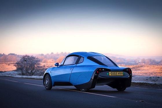 Der Rasa von Riversimple: Eine Brennstoffzelle erzeugt Energie für vier elektrische Radnabenmotoren, die den Flügeltürer auf eine Höchstgeschwindigkeit von 100 km/h beschleunigen.