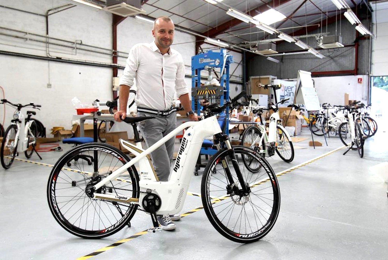 Das Alpha E-Bike wird das erste Serienfahrrad mit Brennstoffzelle: Im vergrößerten Rahmenrohr vorne ist die Brennstoffzelle untergebracht, die Energie für den Elektromotor erzeugt.