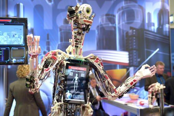 Die Hannover Messe präsentiert Robotik mit Bezug zu industriellen Anwendungen.