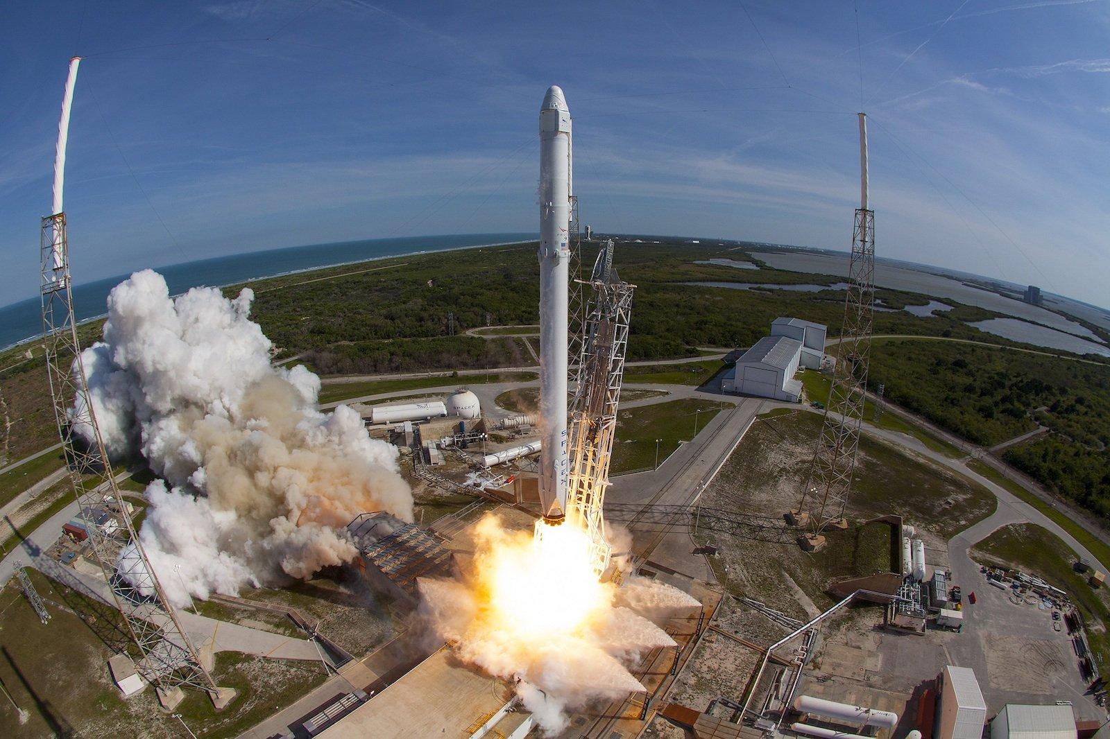 Start der Falcon-9-Rakete am 8. April 2016 vom Weltraumbahnhof Cape Canaveral in Florida.