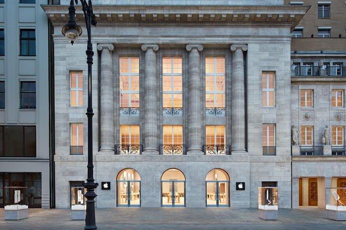 Apple Store Berlin am Kurfürstendamm: Nicht hier, aber irgendwo mitten in Berlin soll Apple ein Geheimlabor haben und an der Entwicklung des iCar arbeiten.
