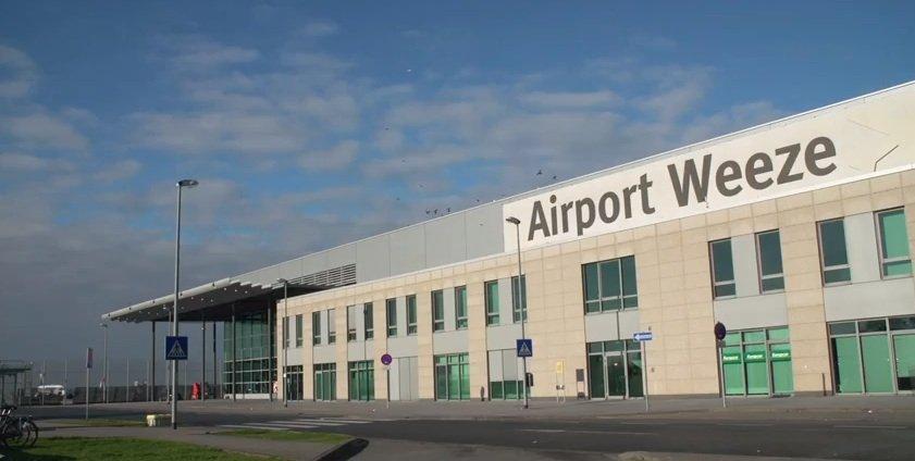 Neues Arbeitsgebiet für Robird: Seine Flughafentauglichkeit wurde zunächst am Regionalflughafen Weeze getestet.
