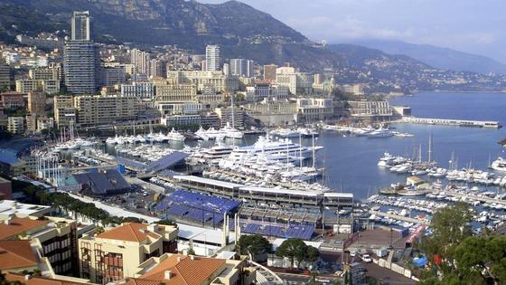 Monaco, wie es glänzt und glitzert: Der Stadtstaat hat ein Drohnenabwehrsystem bestellt, um zu verhindern, dass es zu Unfällen im Luftraum oder Terroranschlägen kommt. Aber auch, um die Privatsphäre der Superreichen zu schützen.