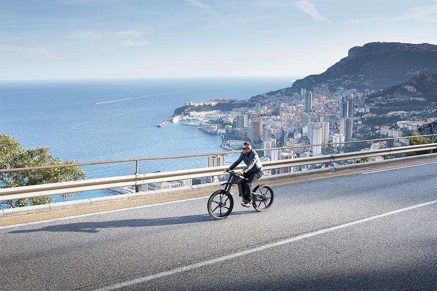 E Bike F 252 R 22 000 Euro Schafft 70 Km H Ingenieur De