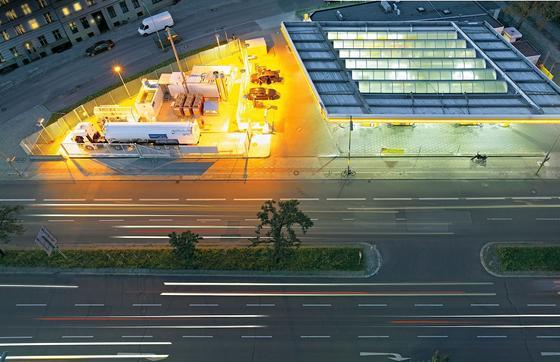 Wasserstofftankstelle von Linde in Berlin: Das Unternehmen hat eine Tanktechnik für Wasserstoff entwickelt, die noch schneller und sicherer ist.