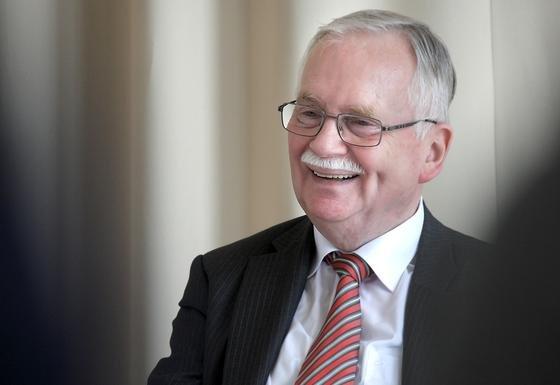 Heiko Mell wird am heutigen Freitag das Bundesverdienstkreuz am Bande verliehen. Seit 32 schreibt er die Karriereberatung in den VDI nachrichten.