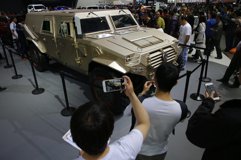 Rustikale SUV im Military-Look sind ausgesprochen beliebt in China. Im Bild ein SUV des chinesischen Herstellers Dongfeng.