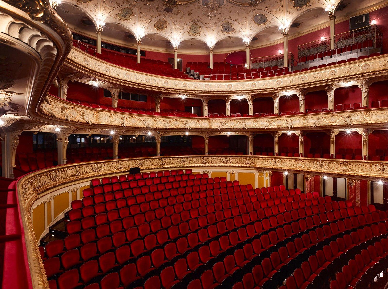Das Züricher Opernhaus stammt aus dem Jahr 1891. Ursprünglich wurde es als Sprechtheater konzipiert. Es verfügt über mehrere Etagen.