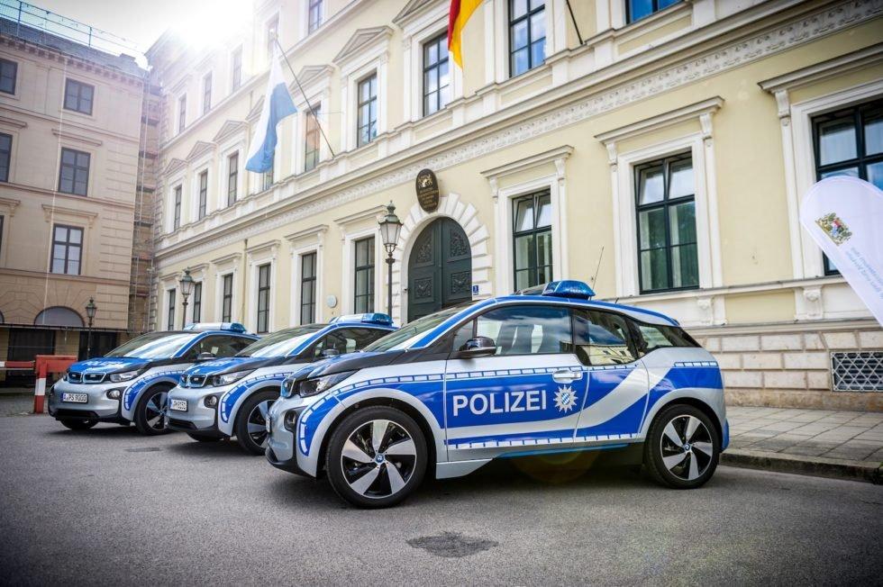 Bei der bayerischen Polizei sind drei i3 im Einsatz.