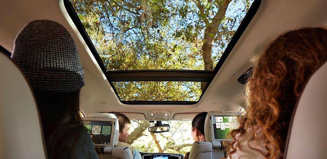 Der Minivan Chrysler Pacifica bietet Platz für acht Personen. Können Sie bald Zeitung lesen und das Lenken dem Fahrzeug überlassen?