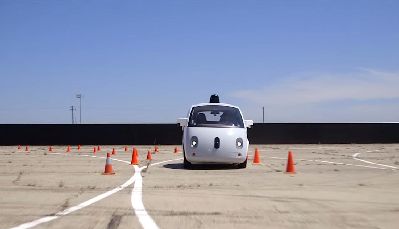 Das Google-Auto orientiert sich mit GPS, Radar, Laser und Kamera.