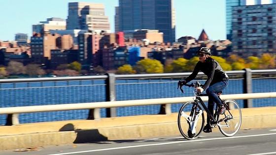 Gute Idee: Durch den Austausch des Vorderrades kann man aus fast jedem Fahrrad ein E-Bike machen.