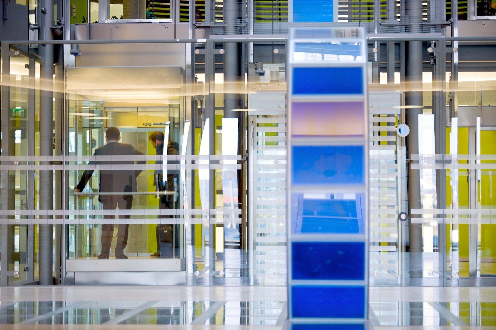 SAP-Konzernzentrale in Walldorf: Der Software-Konzern ist eine Allianz mit Apple eingegangen. Künftig soll SAP-Software auch auf Apple-Geräten laufen.