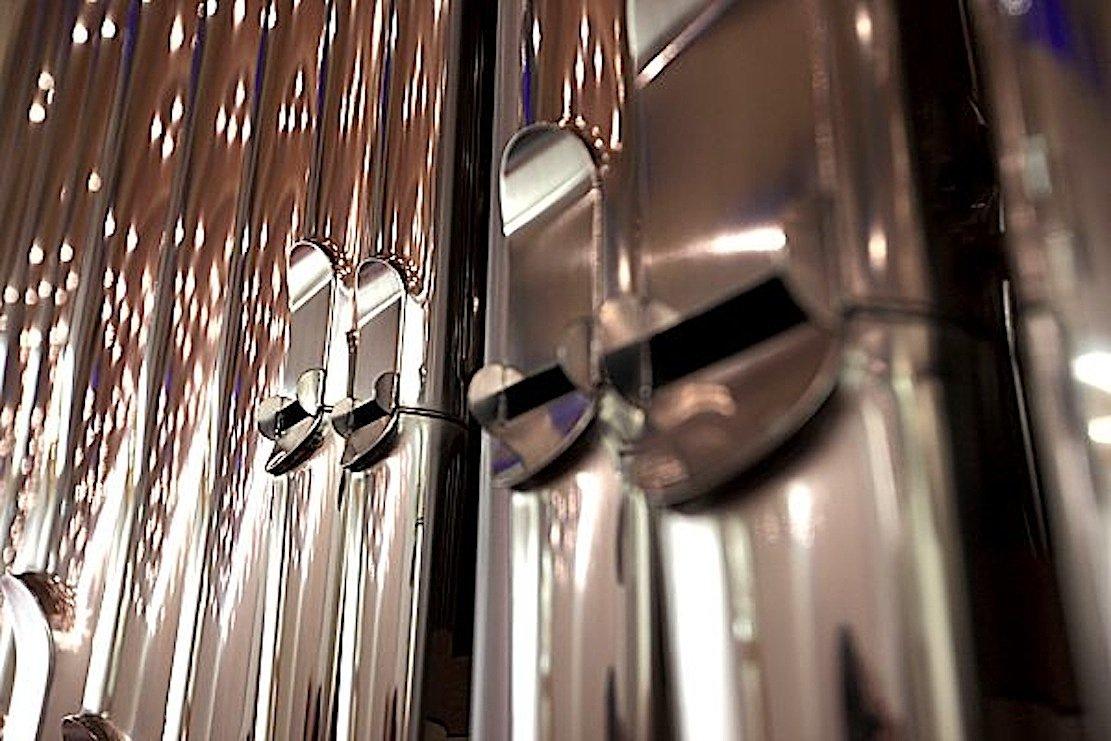 Jede der4385 Pfeifen aus Zinn 380 Pfeifen aus Holz ist handgemacht in der Werkstatt des Bonner Orgelbaubetriebes Klais. Er gilt als einer der besten Orgelbauer der Welt.