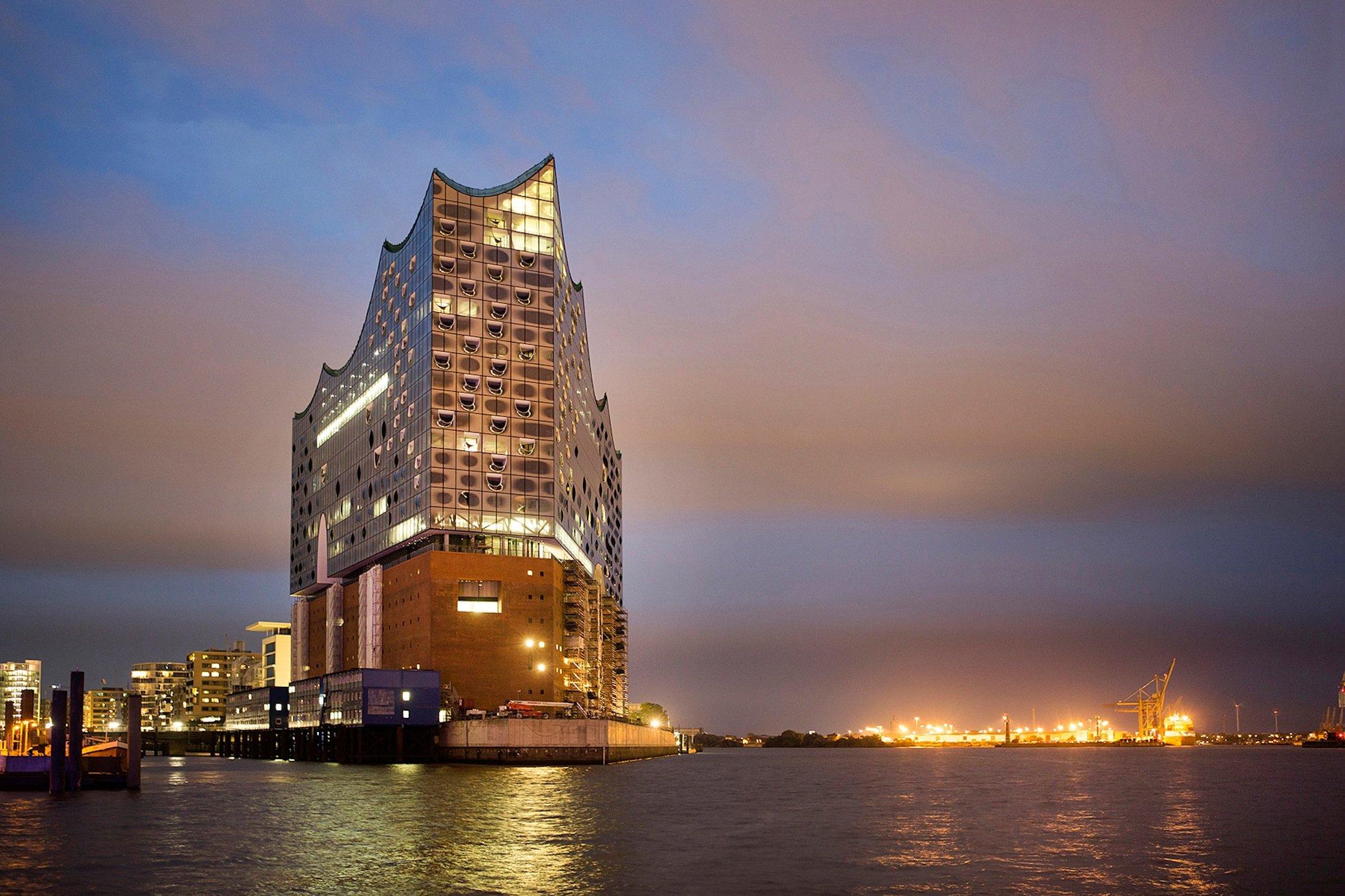 Trotz der Verteuerung und langen Bauzeit: Die Elbphilharmonie ist bereits ein neues Hamburger Wahrzeichen geworden.