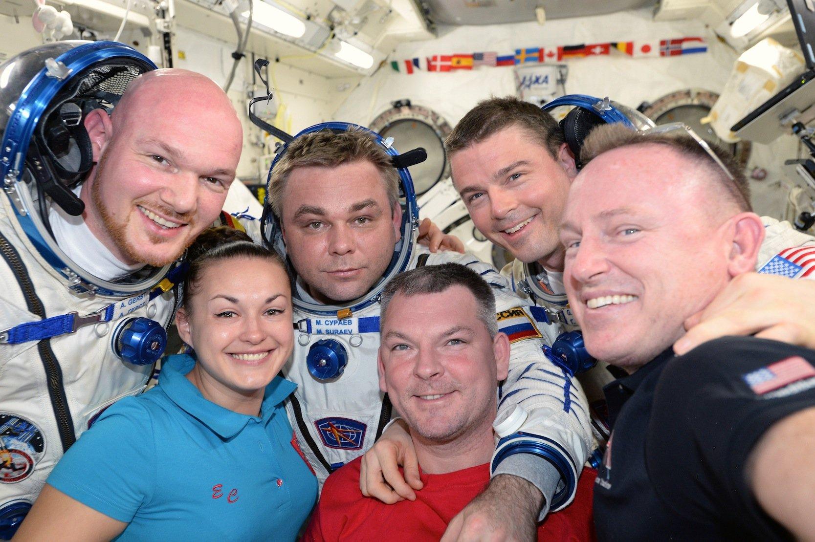 Crew 41 in der ISS: Der deutsche Astronaut Gerst (l.) war von Ende Mai bis zum 10. November 2014 im All. 2018 wird er drei Monate lang der Chef der Station sein.