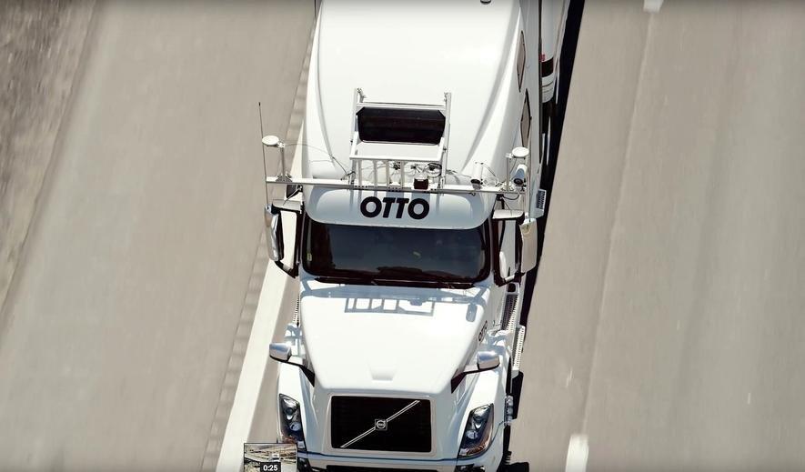 Mit diesem Otto-Bausatz fahren auch ältere Lkw autonom