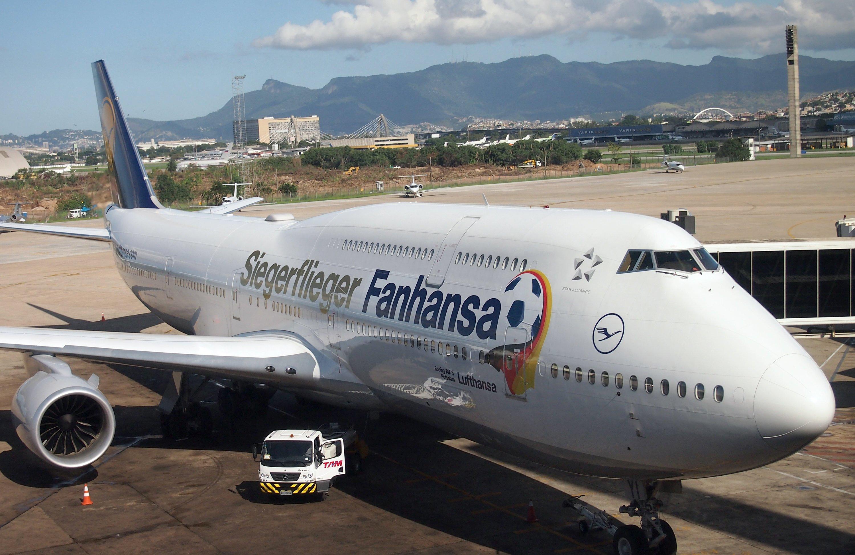 Der Fanhansa-Siegerflieger brachte 2014 die deutsche Fußballnationalmannschaft von Rio de Janeiro nach Hause. Die B747-8 ist das längste Passagierflugzeug der Welt.