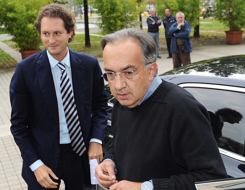 Fiat-Präsident und Agnelli-Enkel John Elkann (l.) und Fiat-CEO Sergio Marchionne: Fiat hat Bundesverkehrsminister Alexander Dobrindt per Rechtsanwalt wissen lassen, dass der Konzern mit deutschen Behörden über Manipulationsvorwürfe nicht sprechen will. Einen Termin mit Dobrindt ließen die Manager platzen.