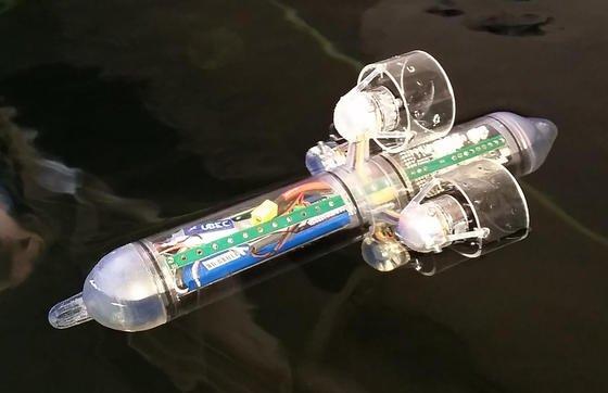 Das autonome Unterwasserfahrzeug HippoCampus wird mit vier Motoren angetrieben und gesteuert.<strong></strong>