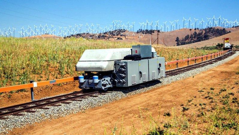 Eine Ares-Testanlage in Tehachapi, Kalifornien: Tonnenschwere Zugwaggons werden als Stromspeicher für erneuerbare Energien genutzt.